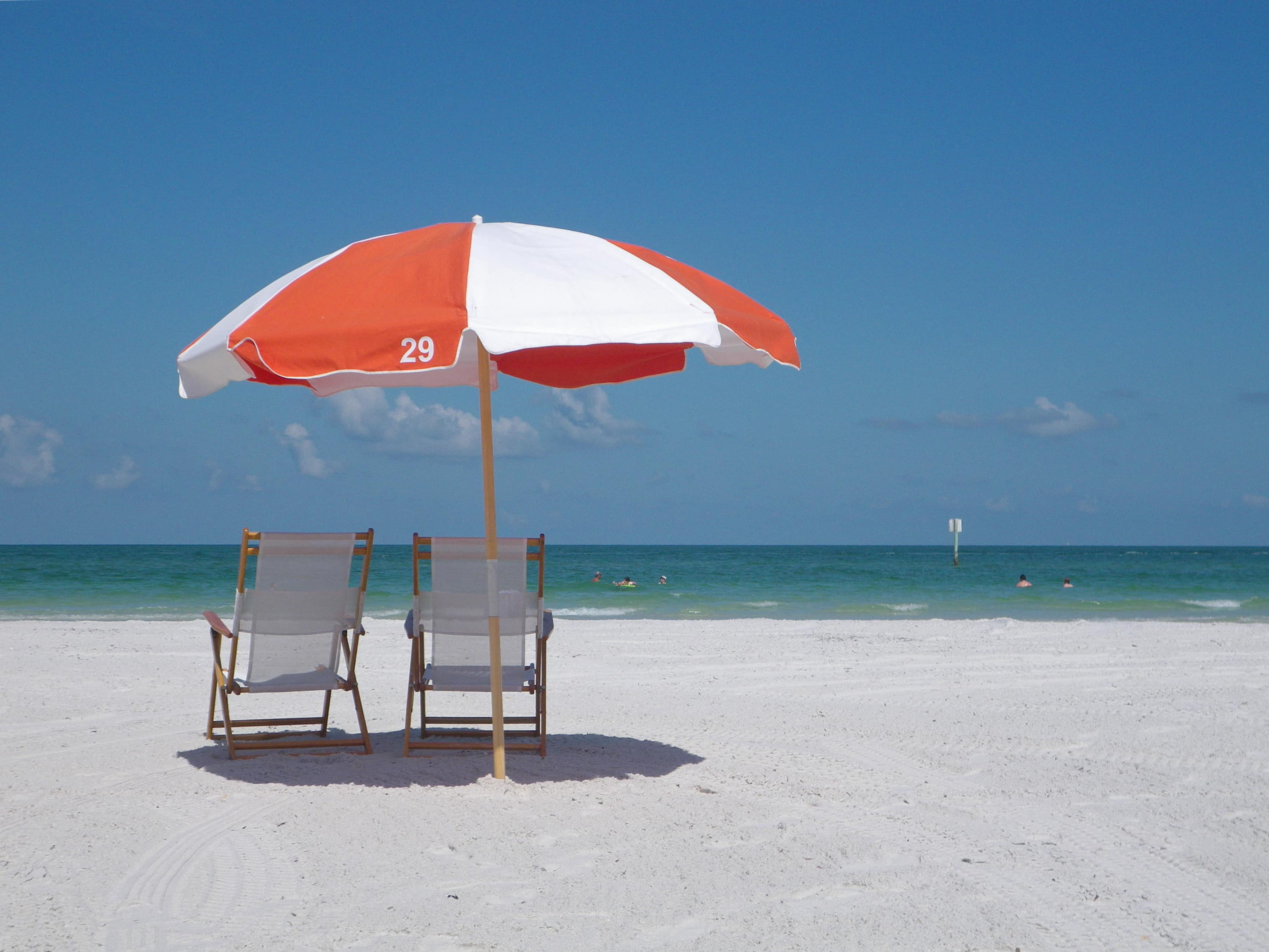 beach stuff, beach rentals, beach stuff rentals, beach stuff at siesta key, rental beach umbrellas at siesta key